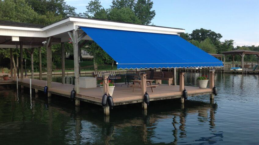 folding lateral arm awning large projection