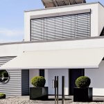What Wind Speeds Will a Retractable Awning Withstand?