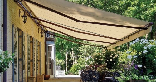 folding lateral arm retractable awning